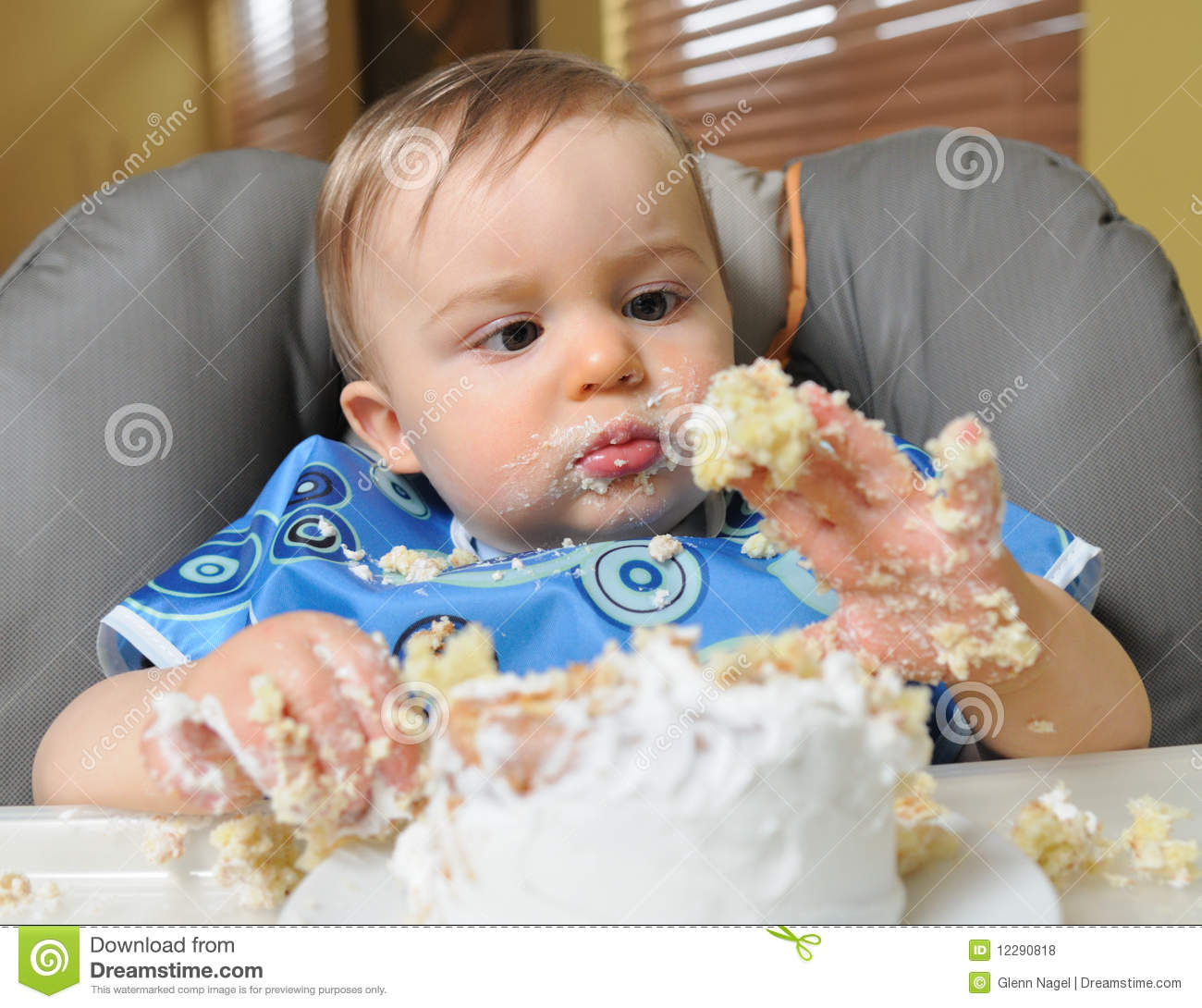 Images Baby Eating Birthday Cake : Baby Boy Makes Mess Of Cake Royalty Free Stock Photos ...