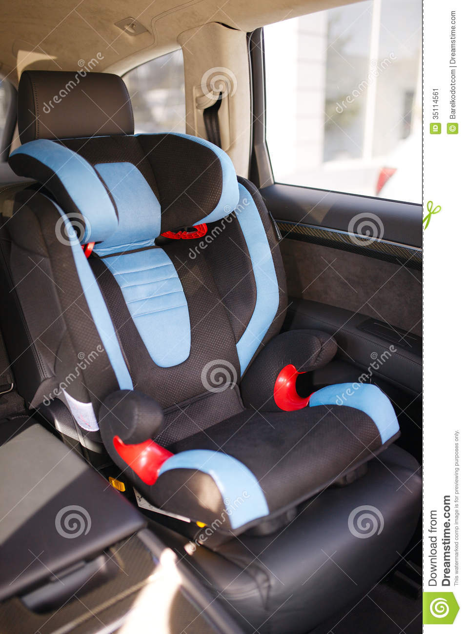 baby car seat stock image image of person automobile 35114561. Black Bedroom Furniture Sets. Home Design Ideas