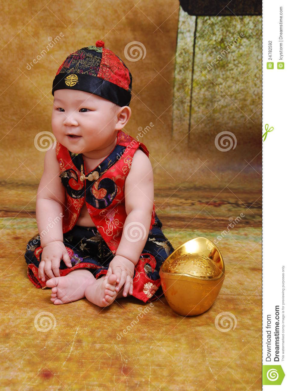 2f3084de5 Baby Chinese Traditional Costume Stock Images - Download 452 Royalty Free  Photos