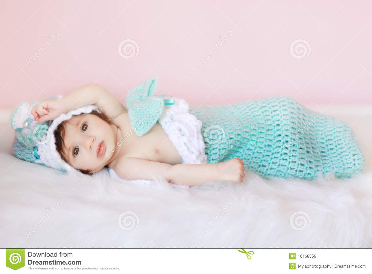 896eb59c597 Baby Cocoon Stock Images - Download 470 Royalty Free Photos