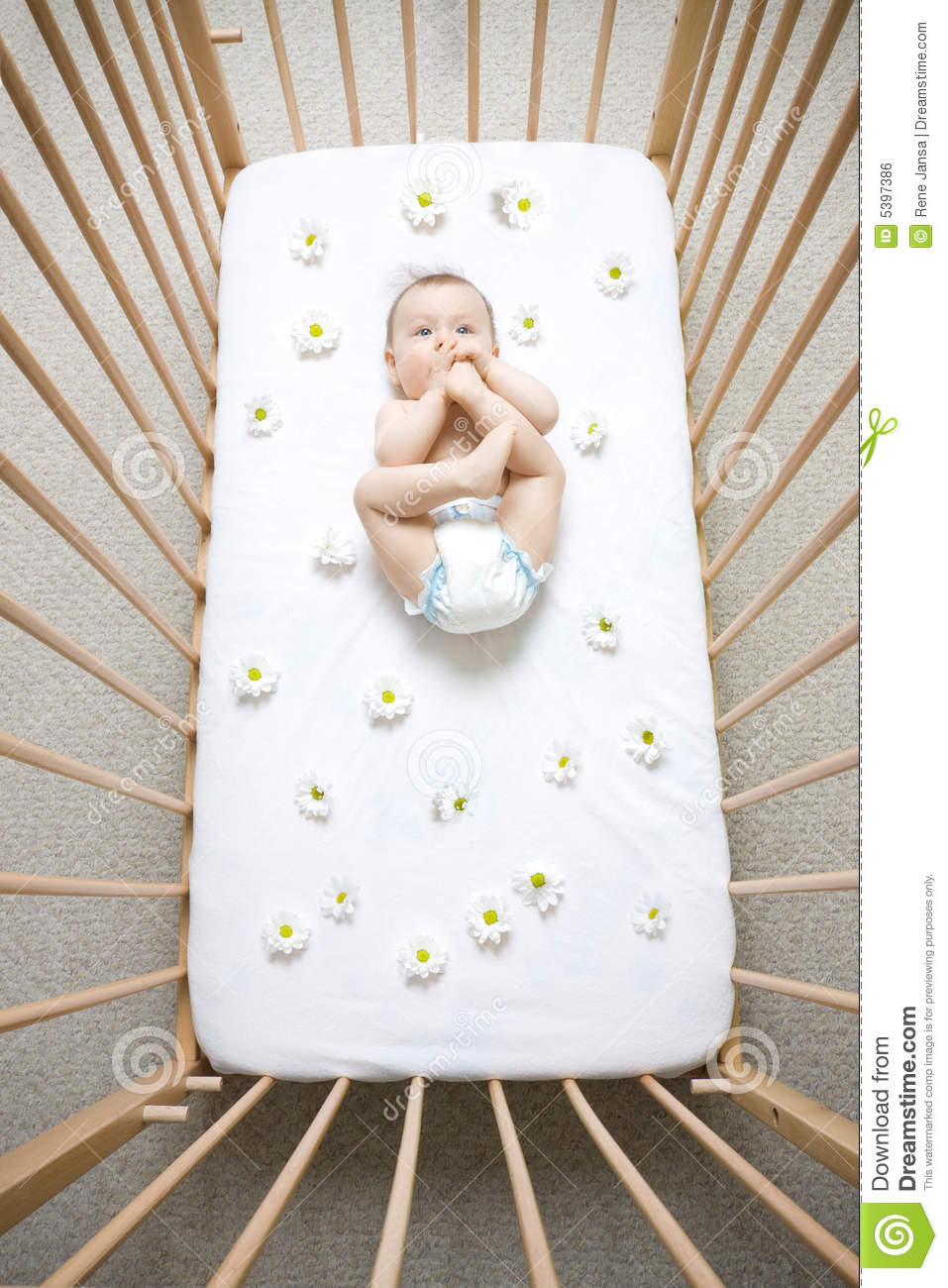 Baby cribs for free - Baby In Crib