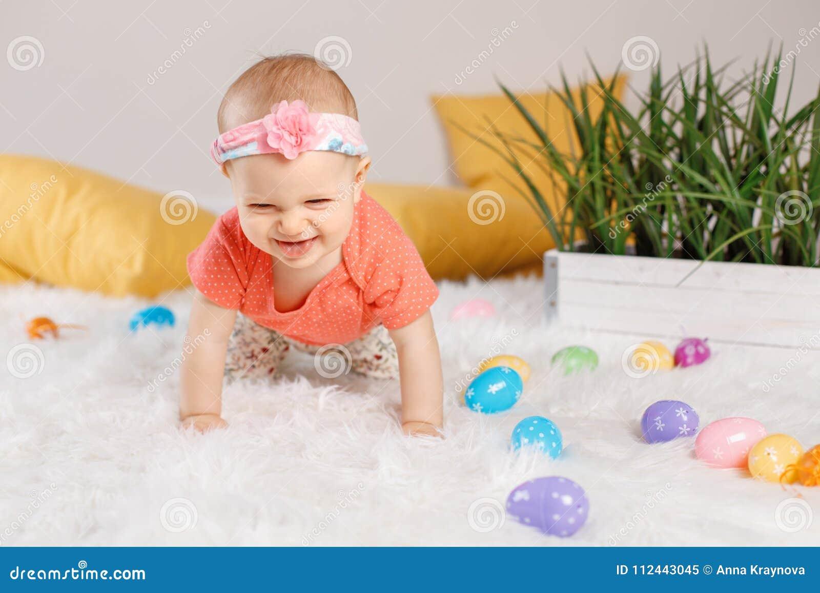 Baby Das Ostern Feiertag Feiert Stockbild Bild Von Schön Spaß