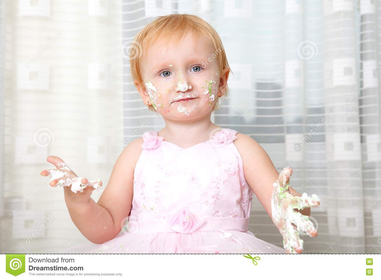 Baby Eating Cake Clipart : Baby Eating Cake Royalty Free Stock Photography - Image ...