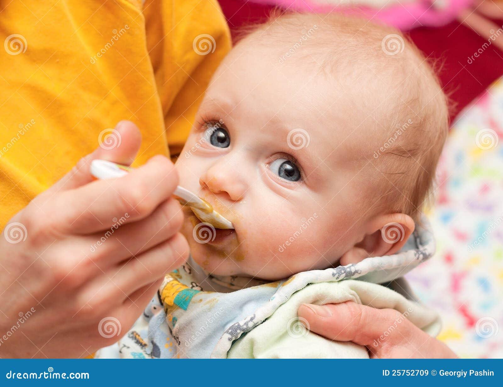 Прикорм грудных детей фото