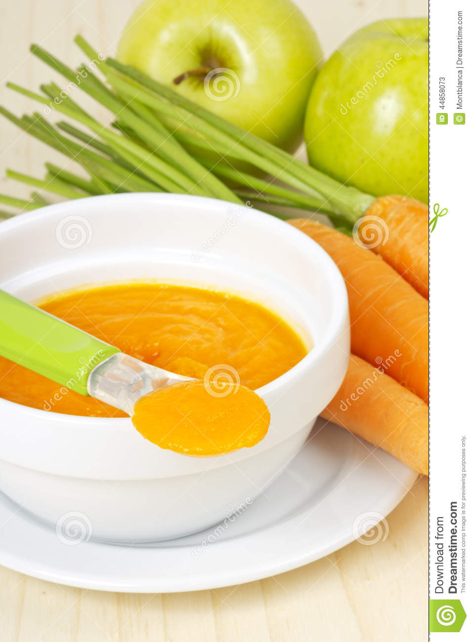 Baby food carrot puree with green apples stock image for Cuisine on the green