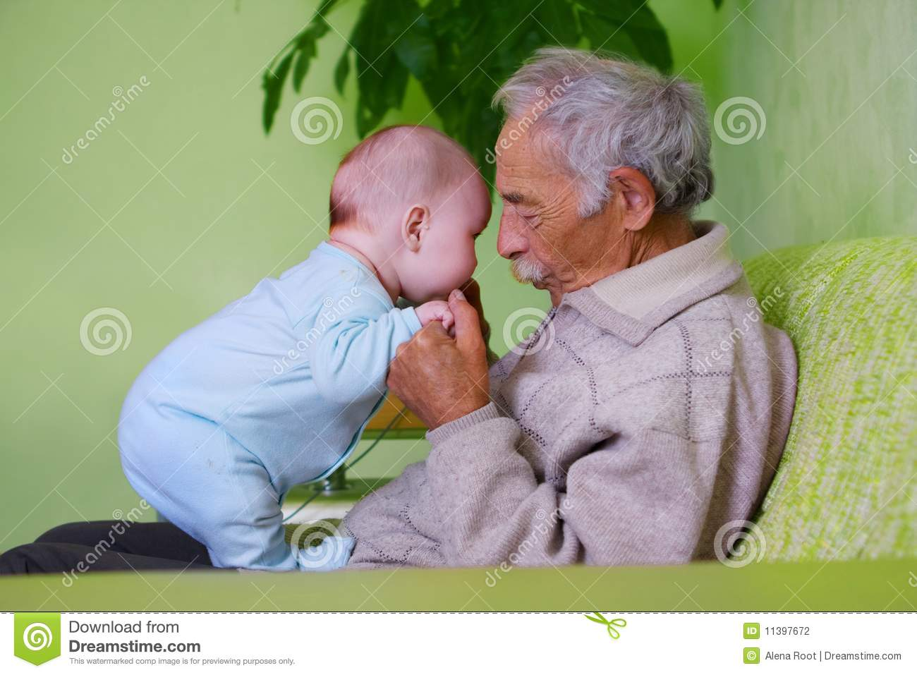 baby with grandpa stock photography image 11397672 clip art daisy flowers free clip art daisy duck