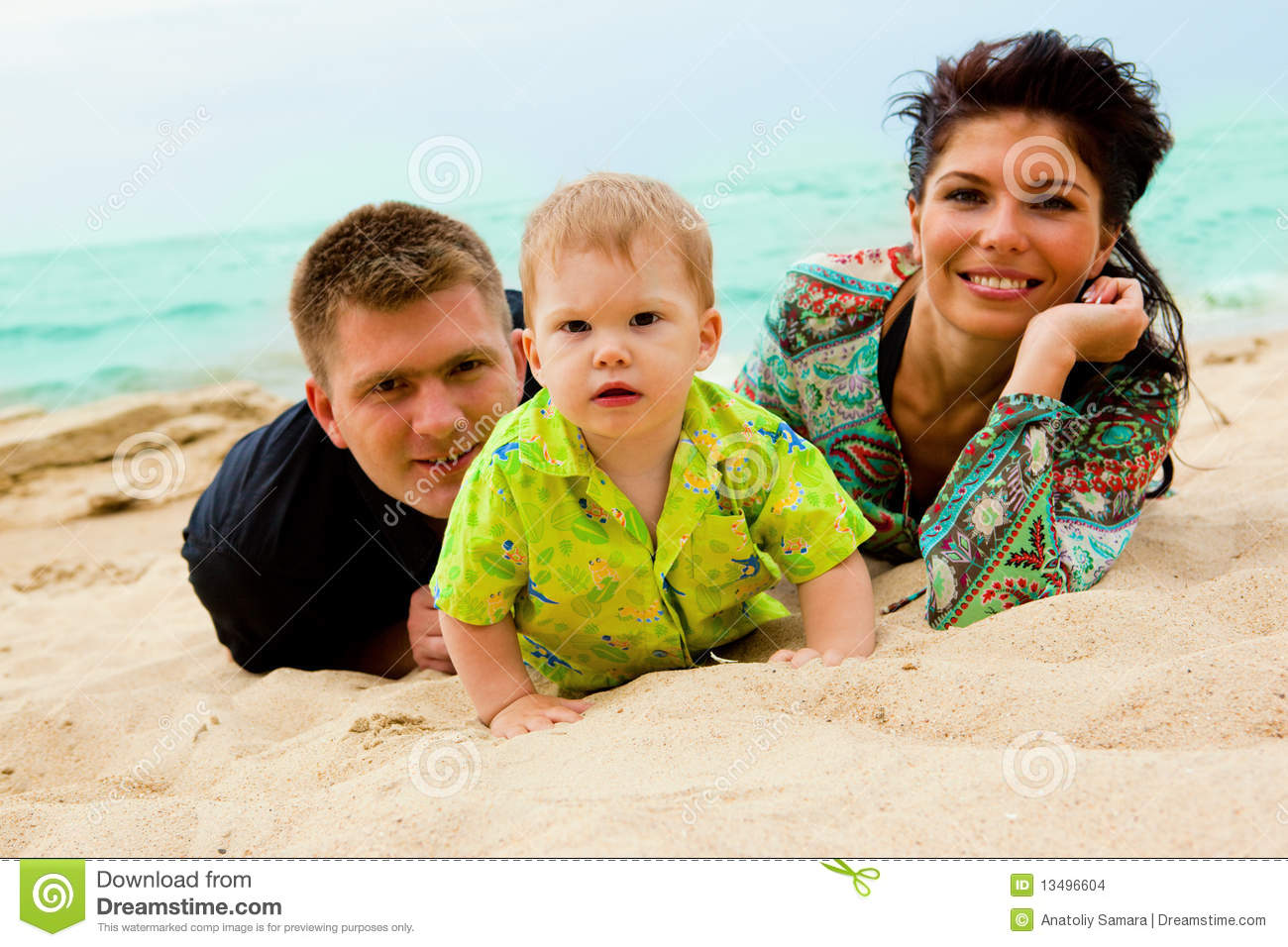 baby mom and dad on sand stock images image 13496604. Black Bedroom Furniture Sets. Home Design Ideas