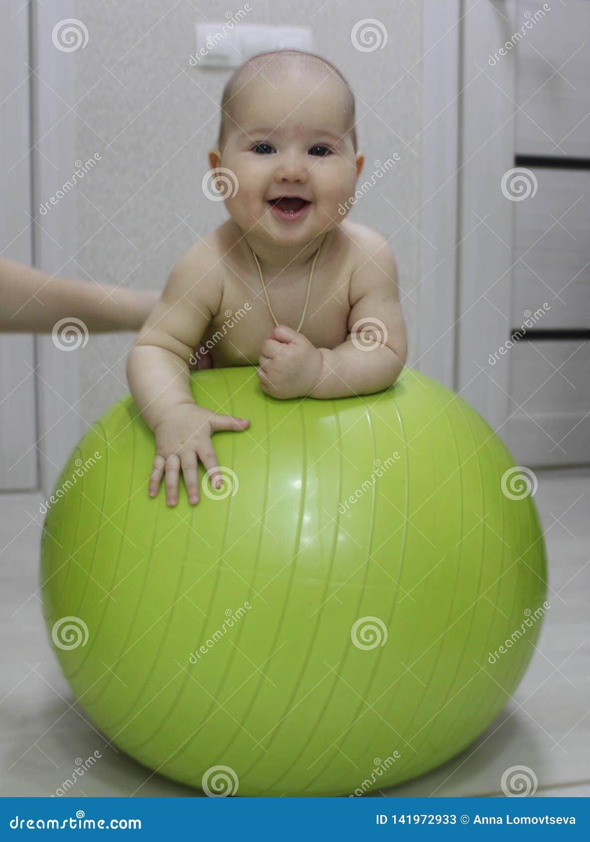Baby op oefeningsbal