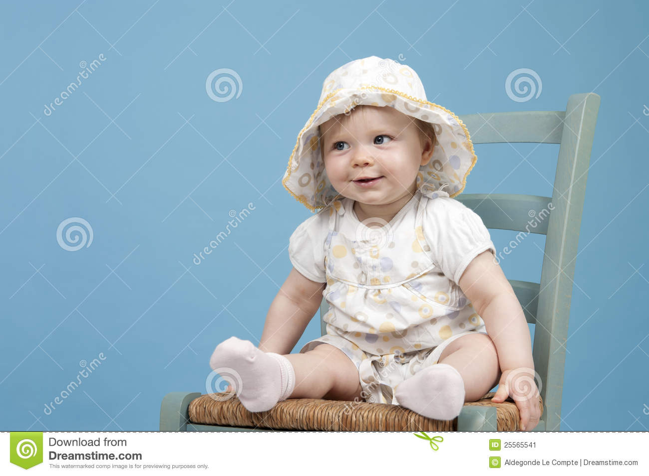 Baby sitting on a chair stock image image 25565541 for Toddler sitting chair