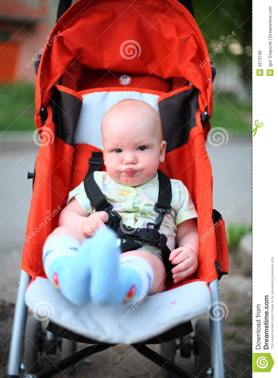 Baby In Sitting Stroller Royalty Free Stock Images Image