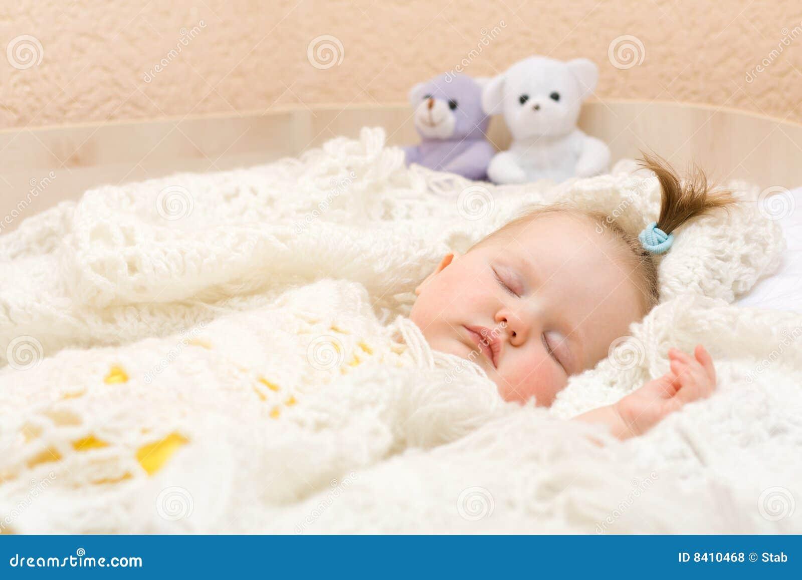 Спящих девочек трахнул 6 фотография