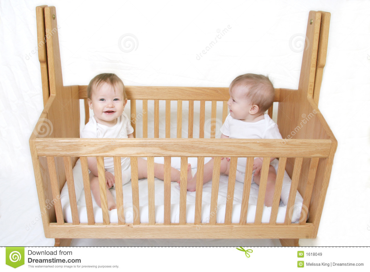 Brookfield fixed gate crib for sale - Baby Bed For Twins Baby Twins In Crib
