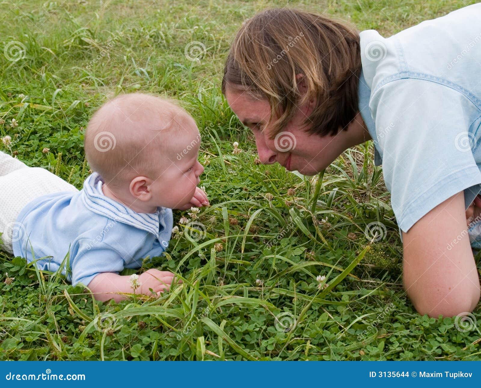 Babyansiktemoder till
