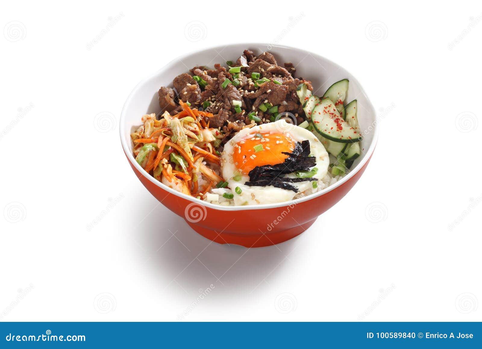 Bacia coreana da carne com ovo