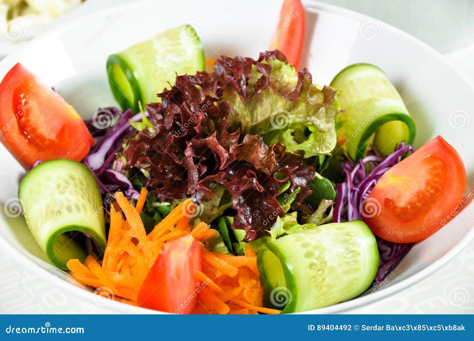 Bacia de salada verde