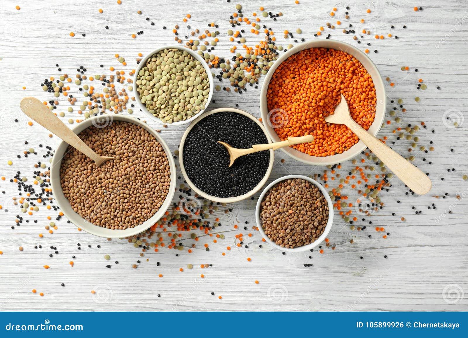 Bacias com tipos diferentes de lentilhas