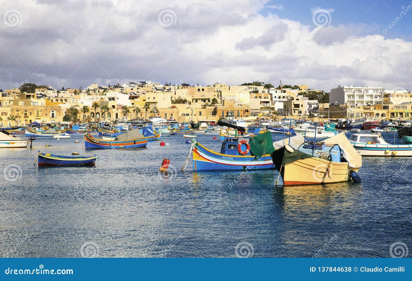 Bacino di Marsaxlokk nell isola di Malta