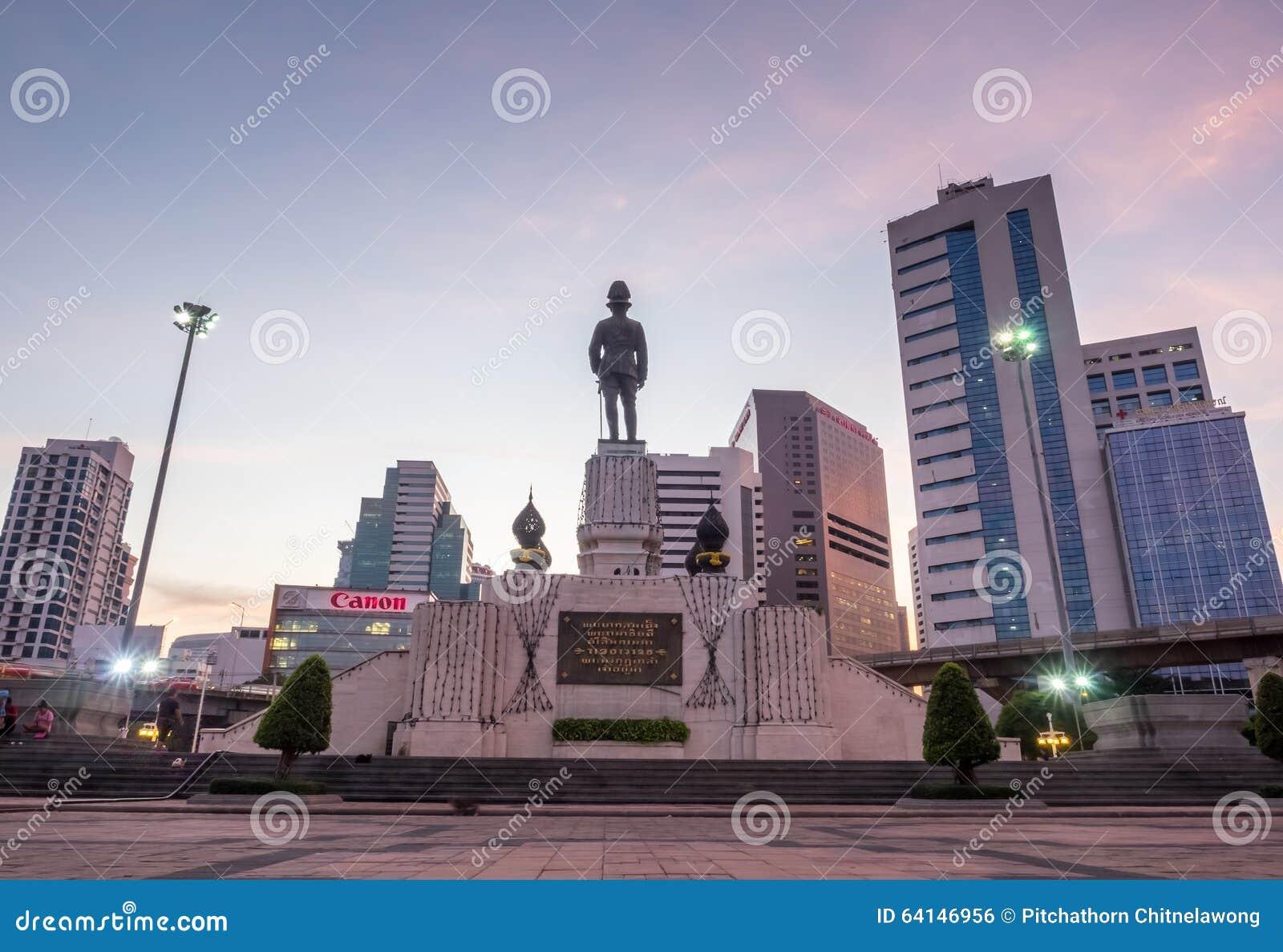 Back Of King Statue In Bangkok Editorial Photo - Image ...