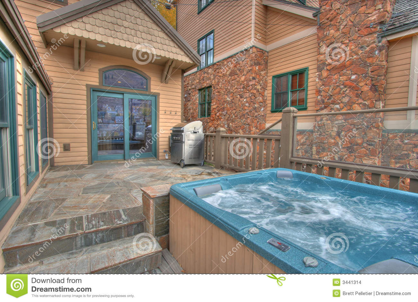 Jacuzzi En El Patio.Back Patio And Hot Tub Stock Photo Image Of Jacuzzi Rental