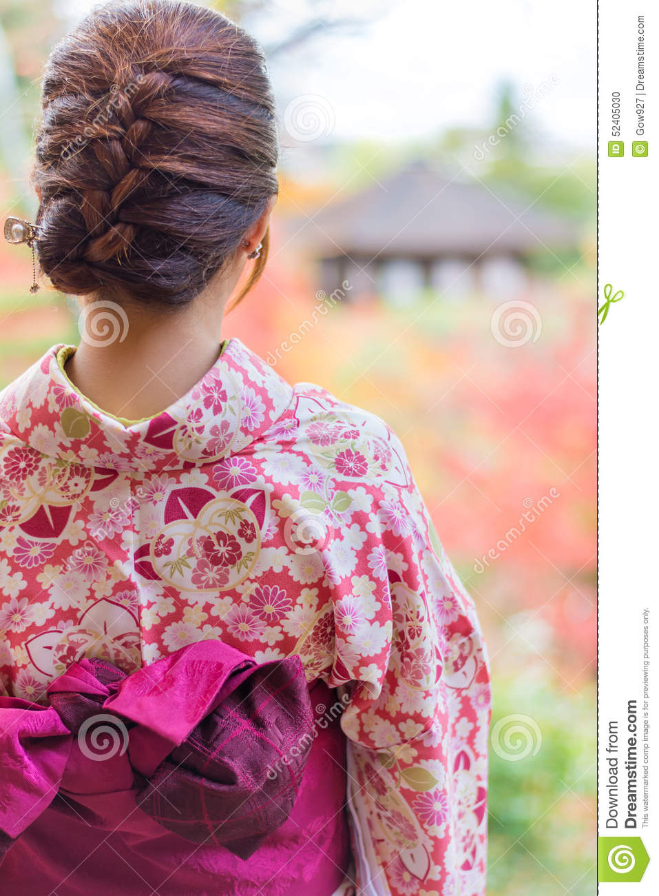 Back Of A Pretty Japanese Girl In Beautiful Atmosphere In