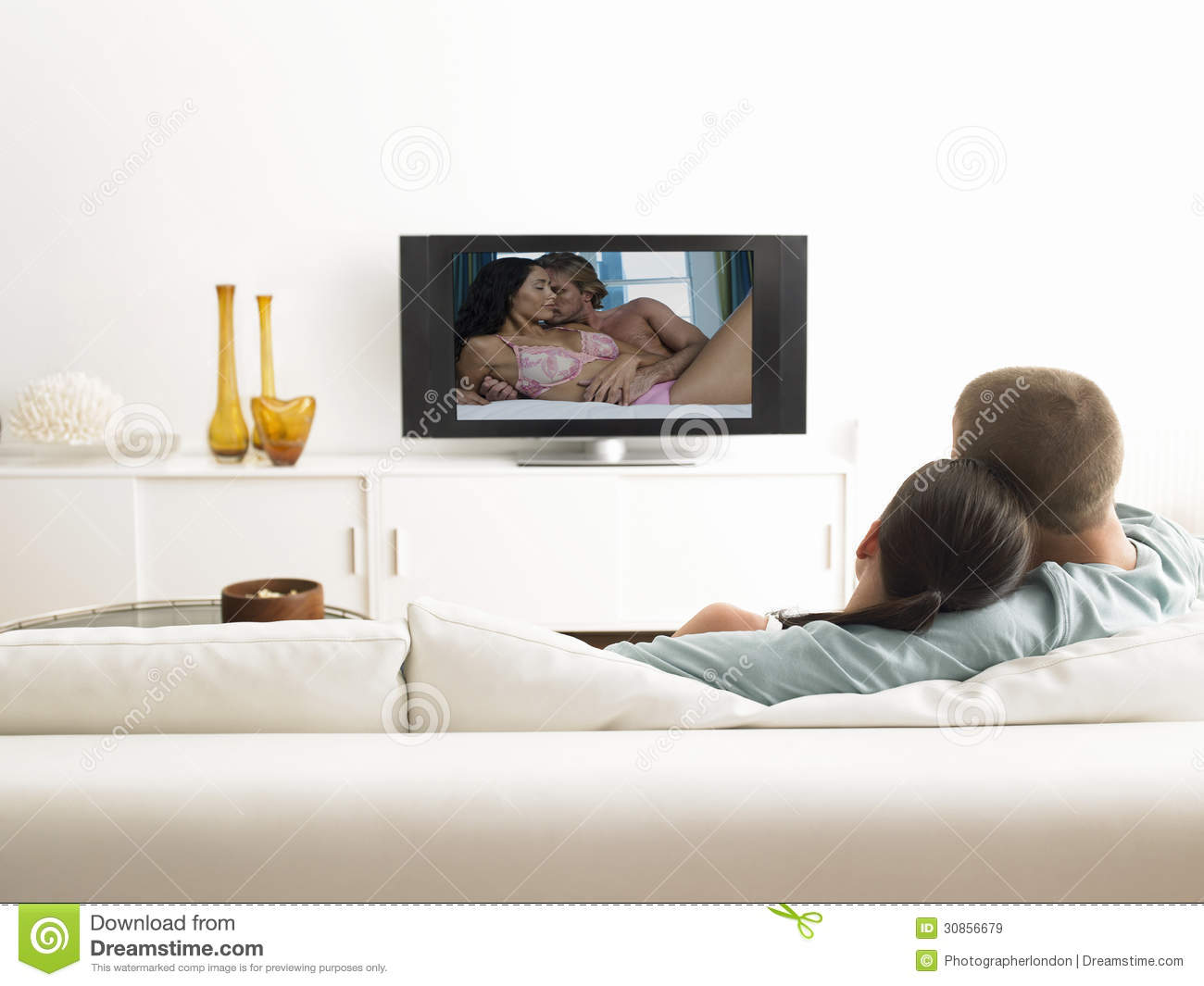 the outlet for children violence is in your living room the television Child tv violence linked to adult violence: the report concludes that parents should restrict the amount of television violence that children are allowed to watch.