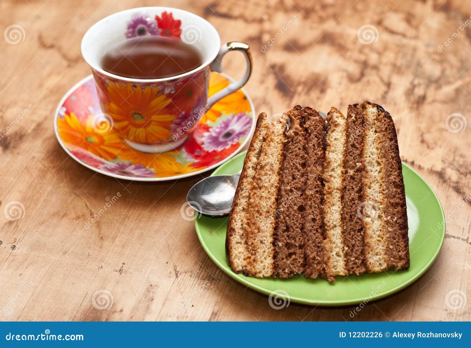 Backen Sie mit Tee oder Kaffee zusammen