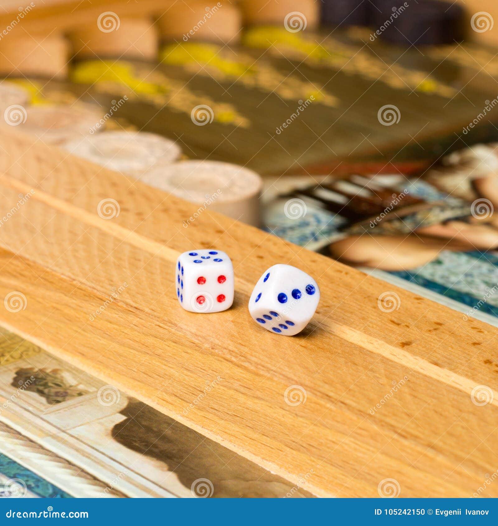Backgammon Del Juego De Mesa Foto De Archivo Imagen De Campo