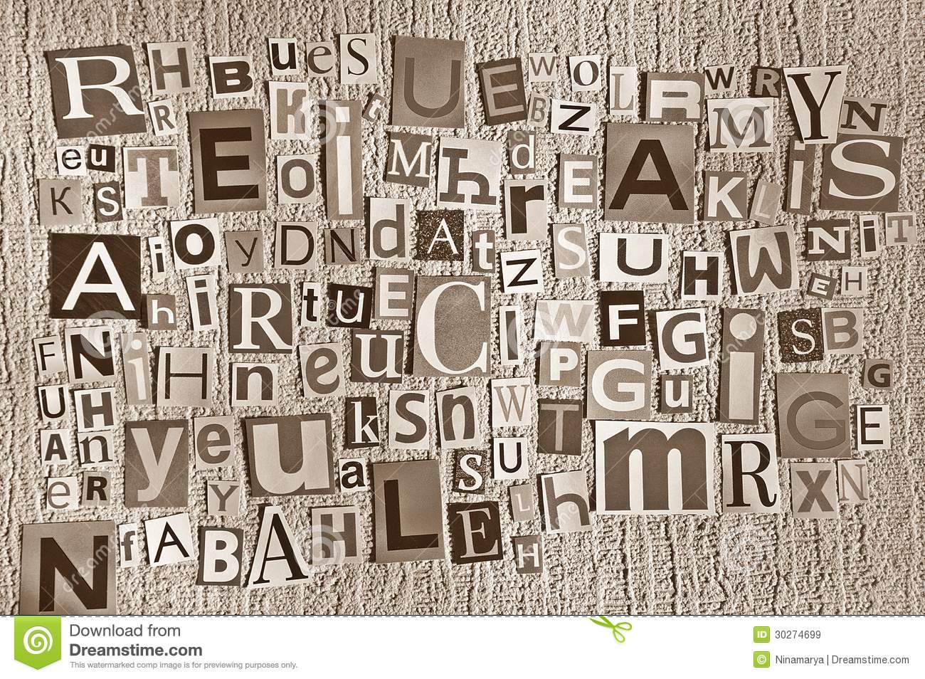 Letters cut out of newspapers and magazines royalty free - Papel de pared retro ...