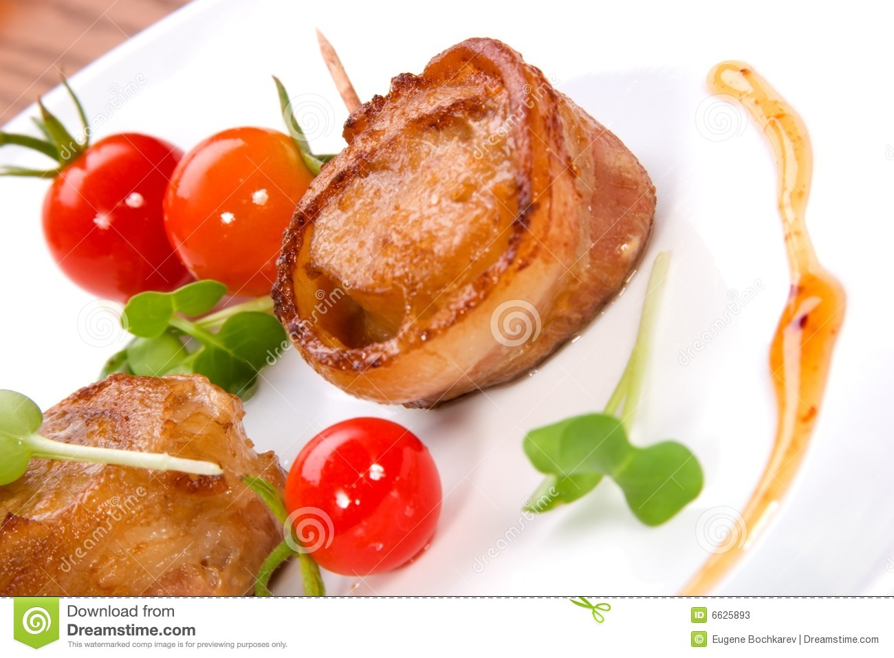 Bacon-Wrapped Ginger Soy Scallops Stock Photos - Image: 6625893
