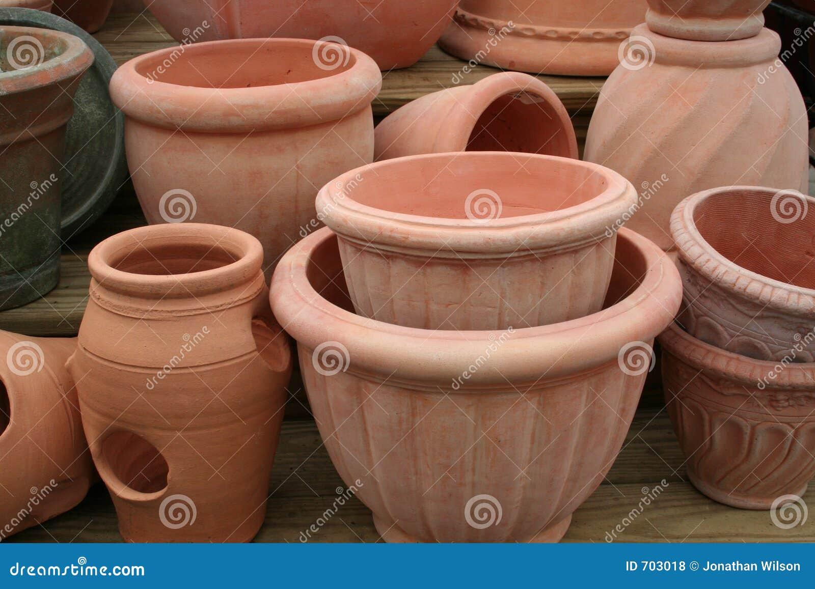 Bacs de terre cuite