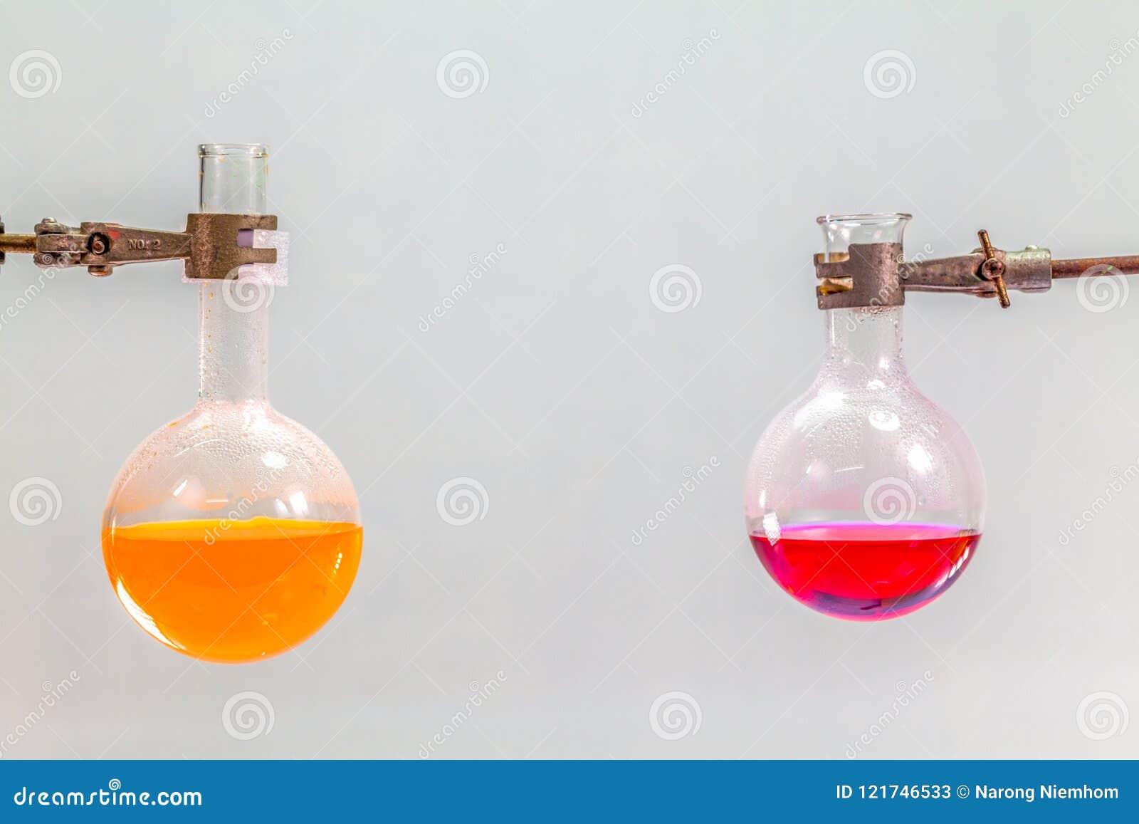 Badanie i eksperyment w lab pokoju