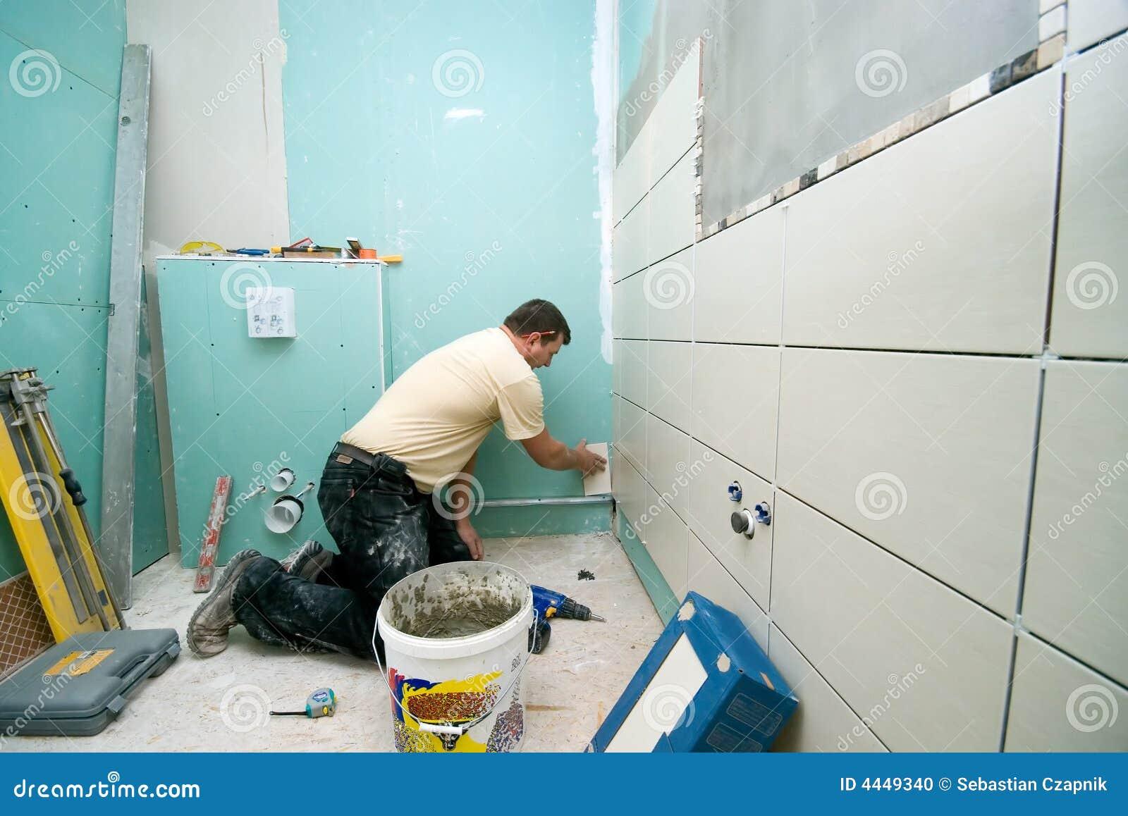 Badezimmer deckt Erneuerung mit Ziegeln