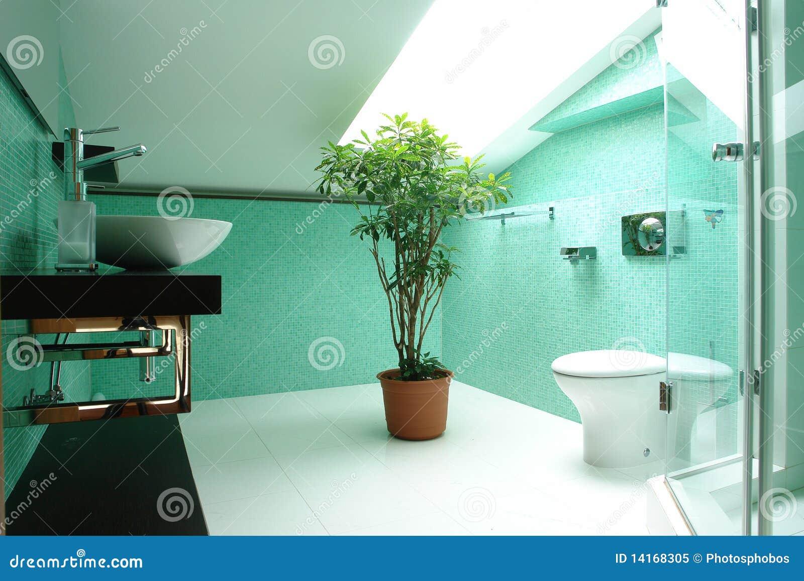 Badezimmer Im Dachboden Stockbild Bild Von Klassisch 14168305