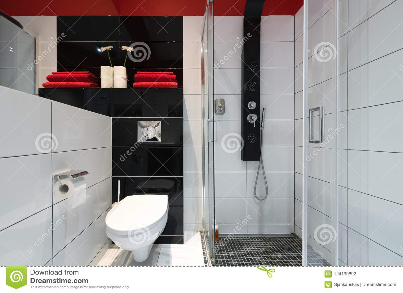 Badezimmer Mit Dusche, Moderner Innenraum Stockfoto - Bild von haus ...