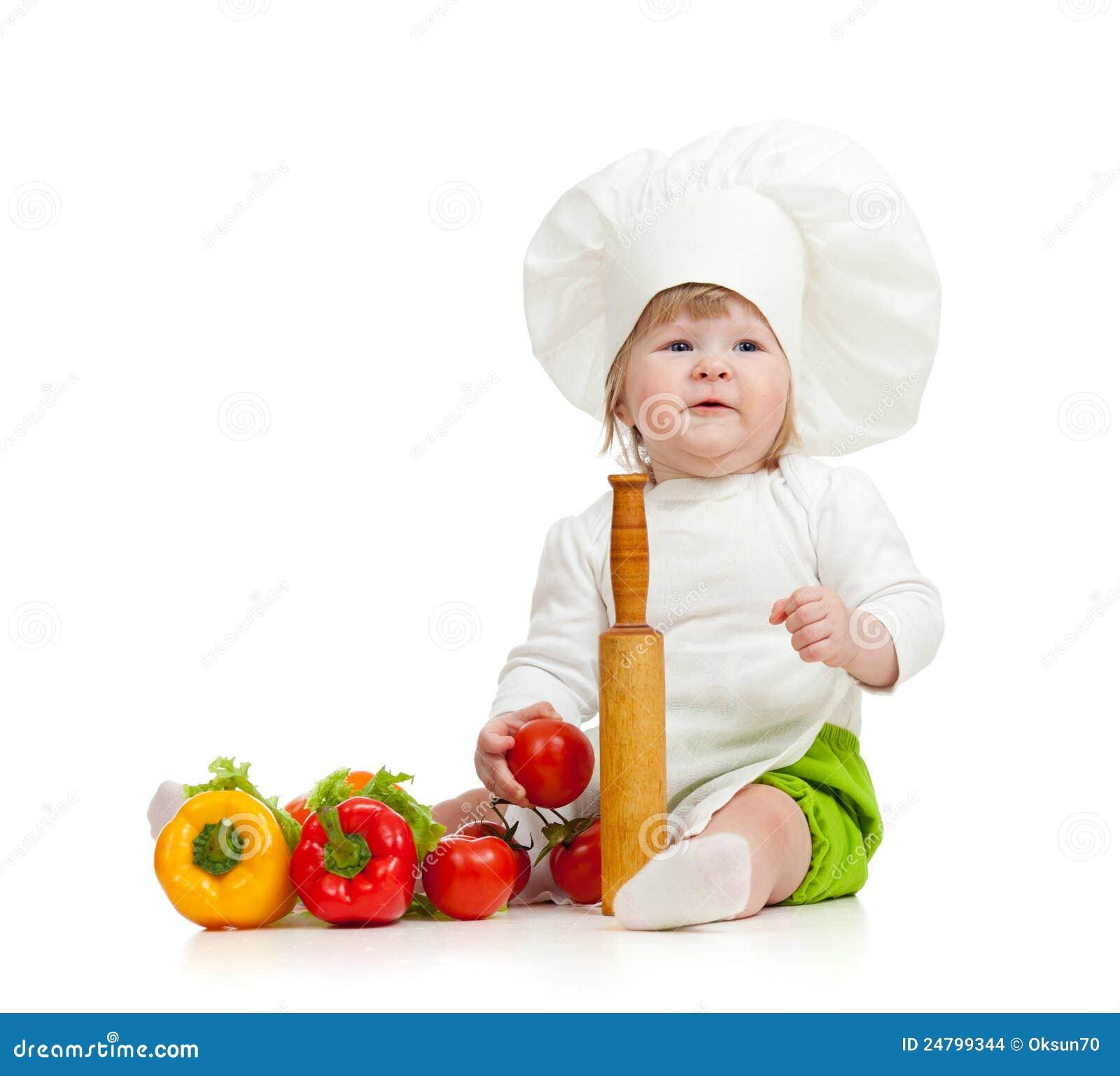 Badinez dans le chapeau de chef avec les légumes sains de nourriture