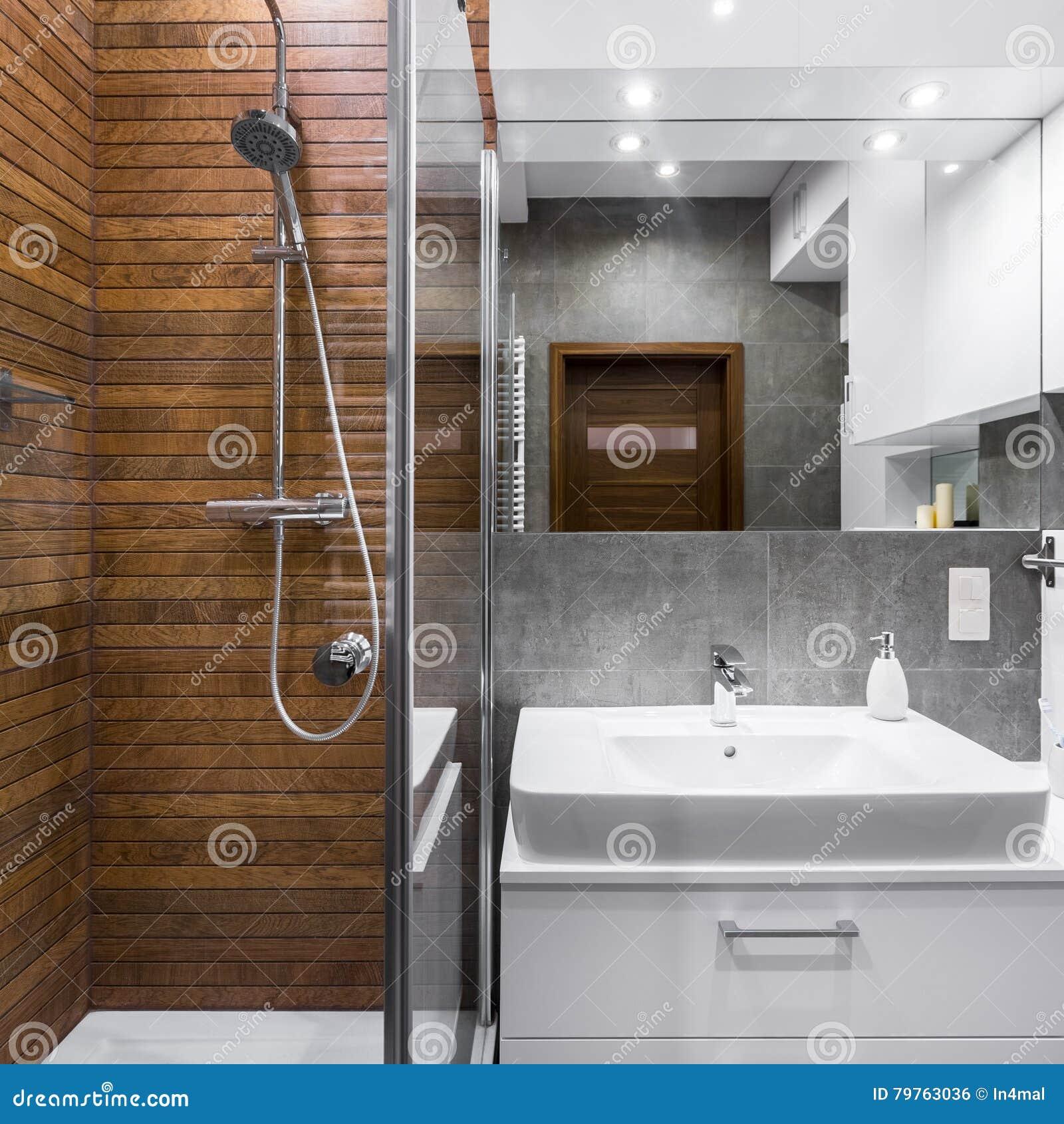 badkamers met houten effect tegels