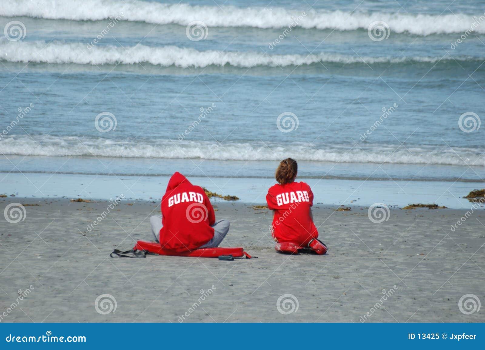 Badmeesters op het strand