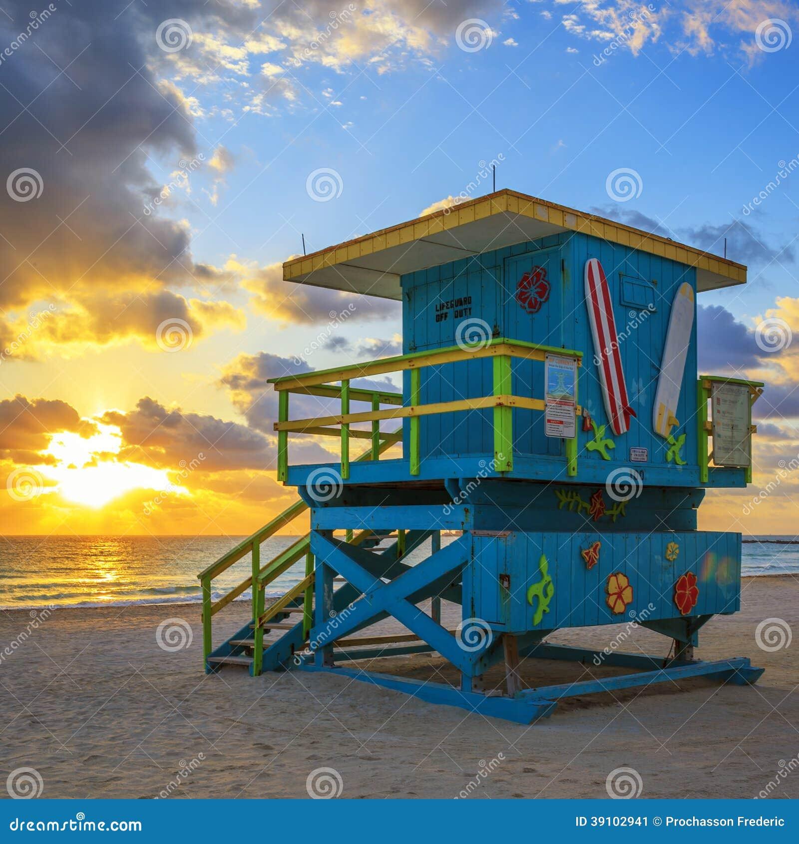 Badmeestertoren bij zonsopgang