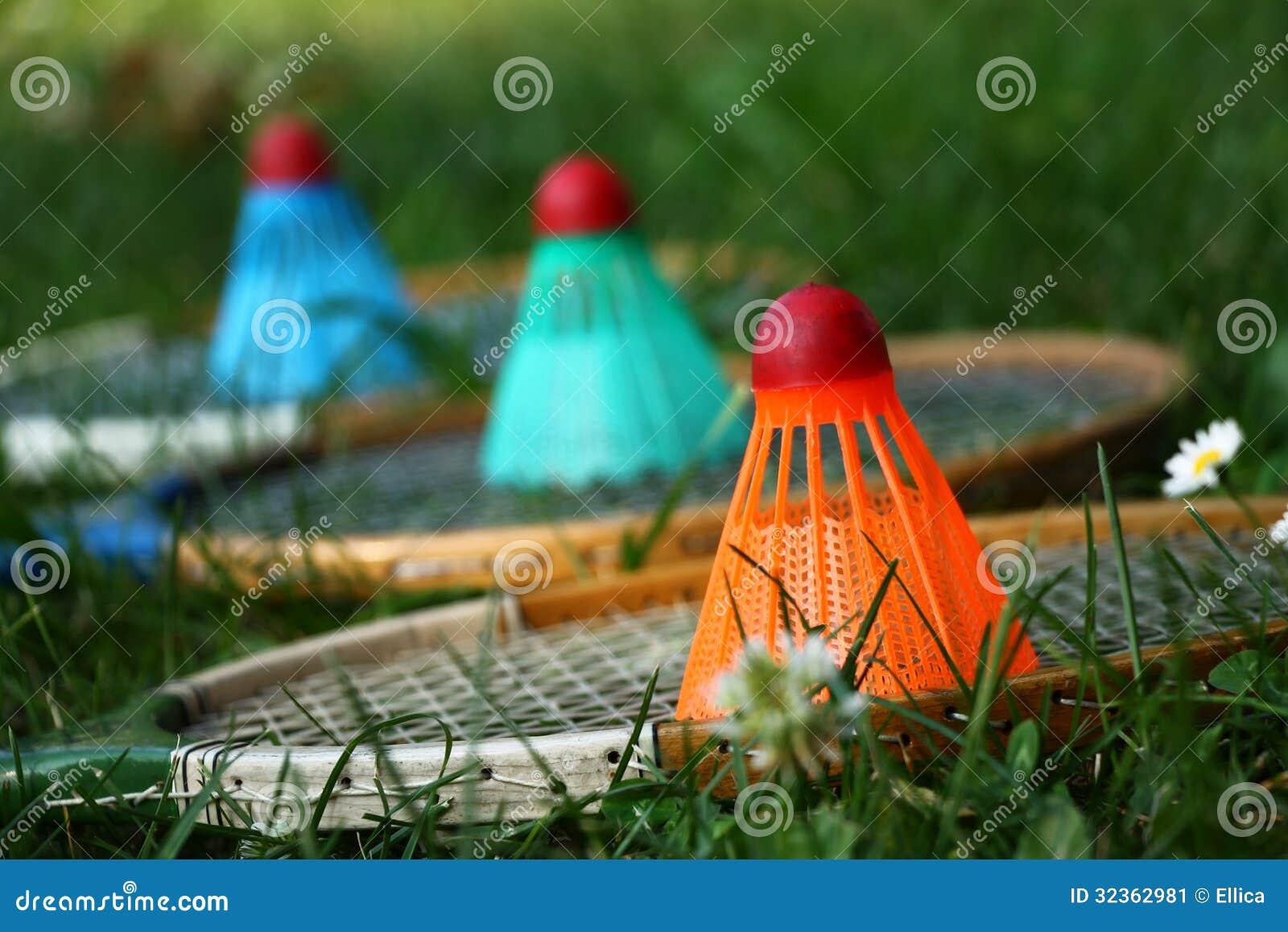Badminton kanty z kolorowymi shuttlecocks