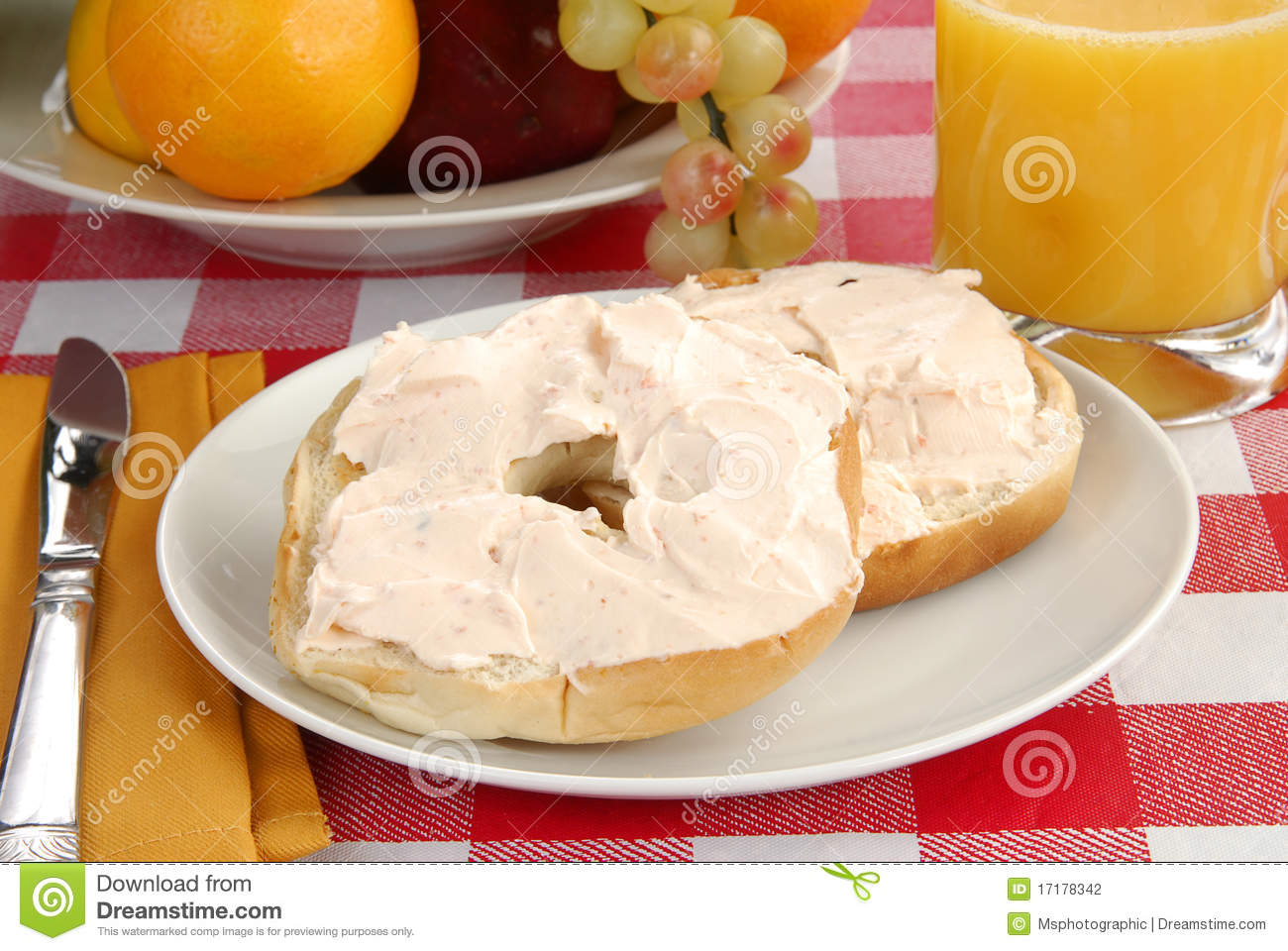 Bagel And Cream Cheese Stock Photo. Image Of Toasted