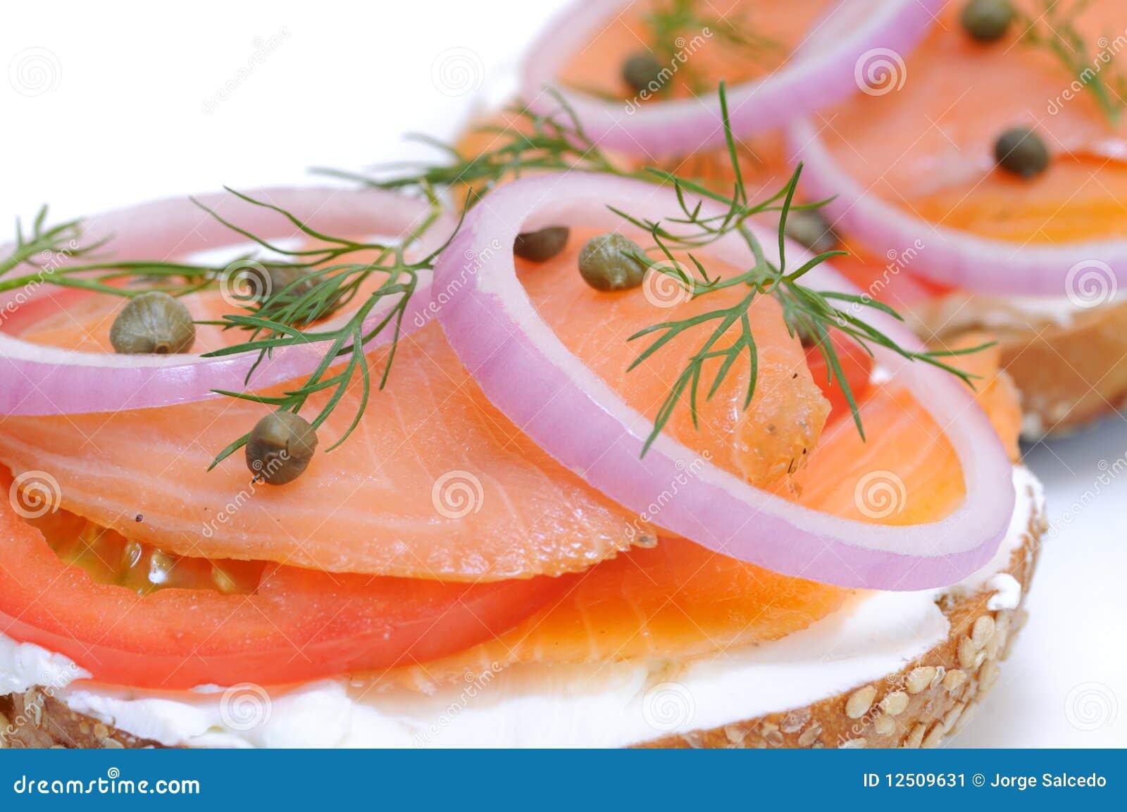 Bagel et saumon fumé
