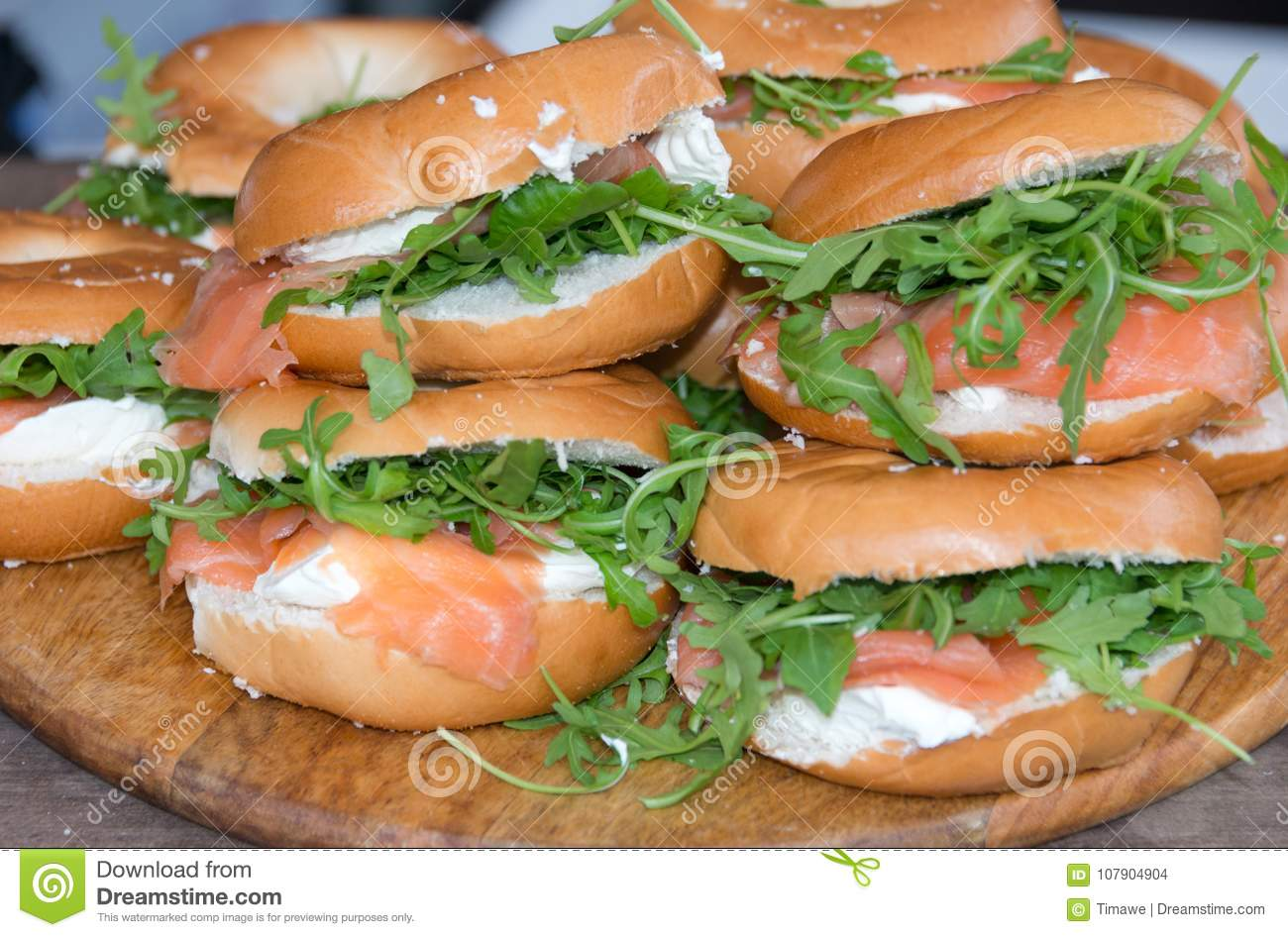 how to make salmon bagel