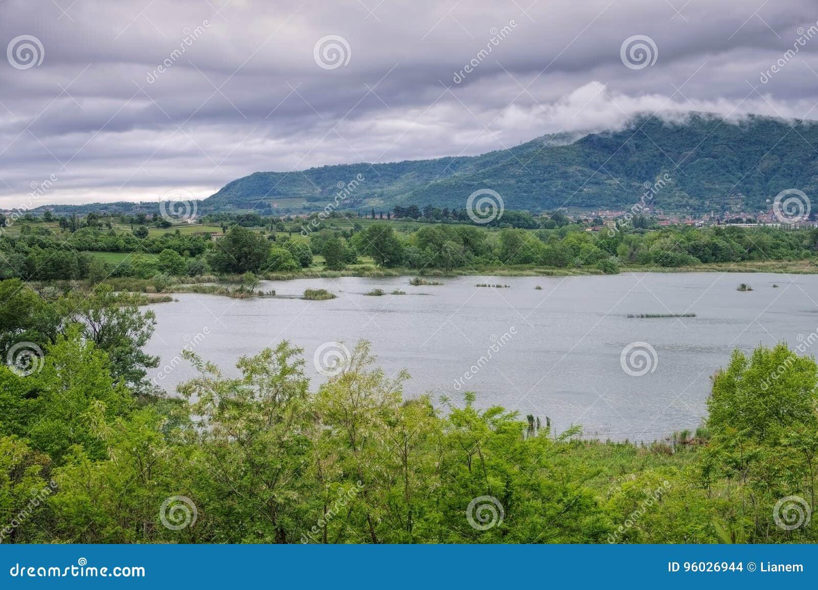 Bagna rezerwat przyrody, Torbiere Del Sebino blisko Jeziornego Iseo