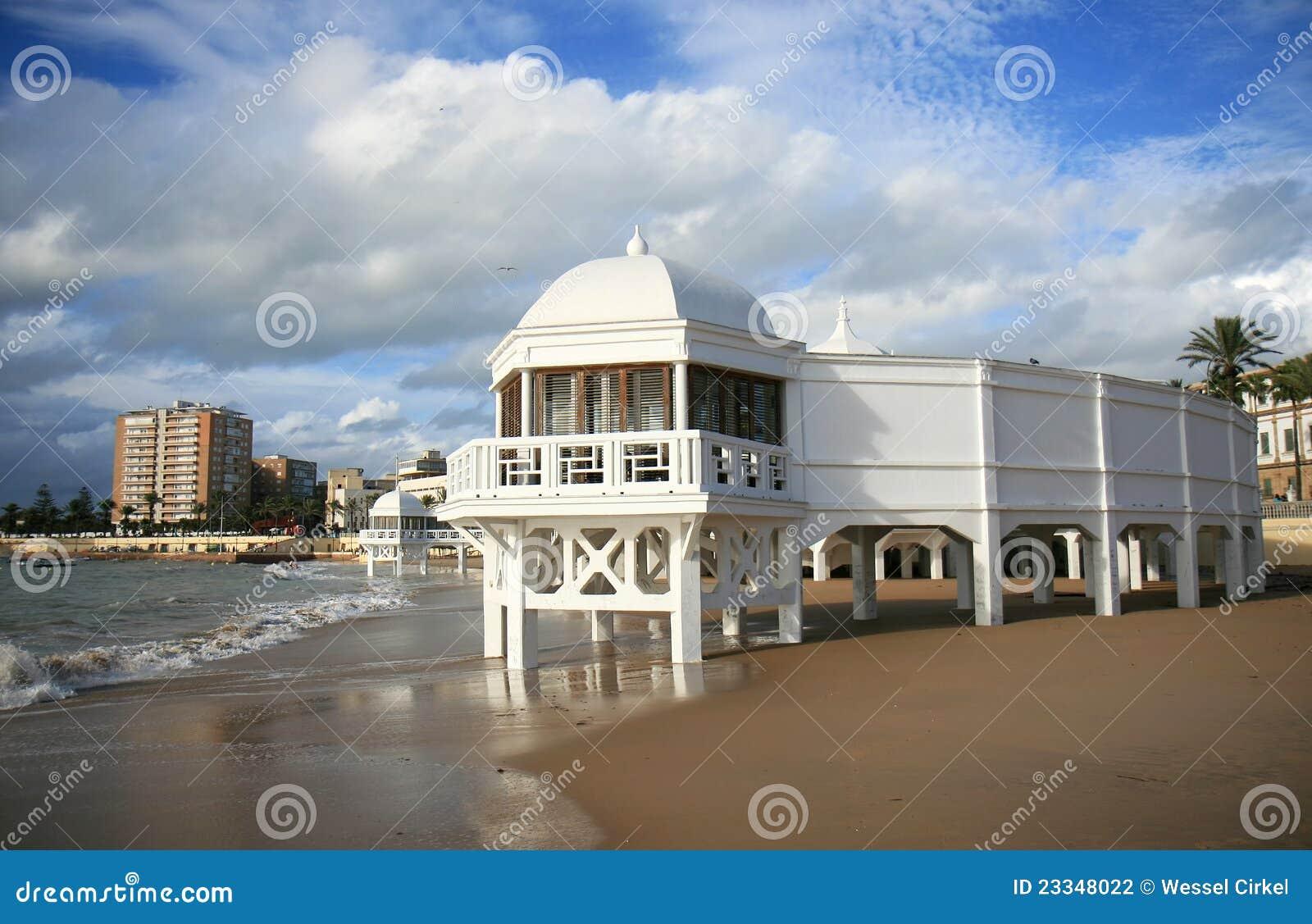 Bagni Antichi Alla Spiaggia Di Caleta Di Cadice, Spagna Fotografia Stock - Im...