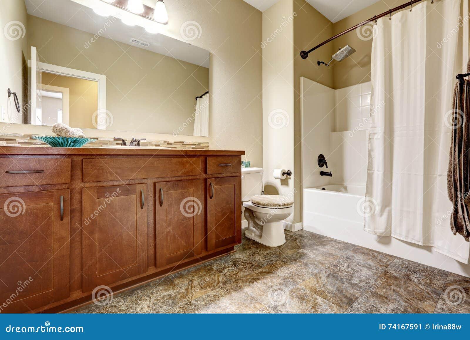 Piastrelle bagno marrone best arredo bagno marrone piastrelle per bagno marrone specchi da - Bagno piastrelle marroni ...