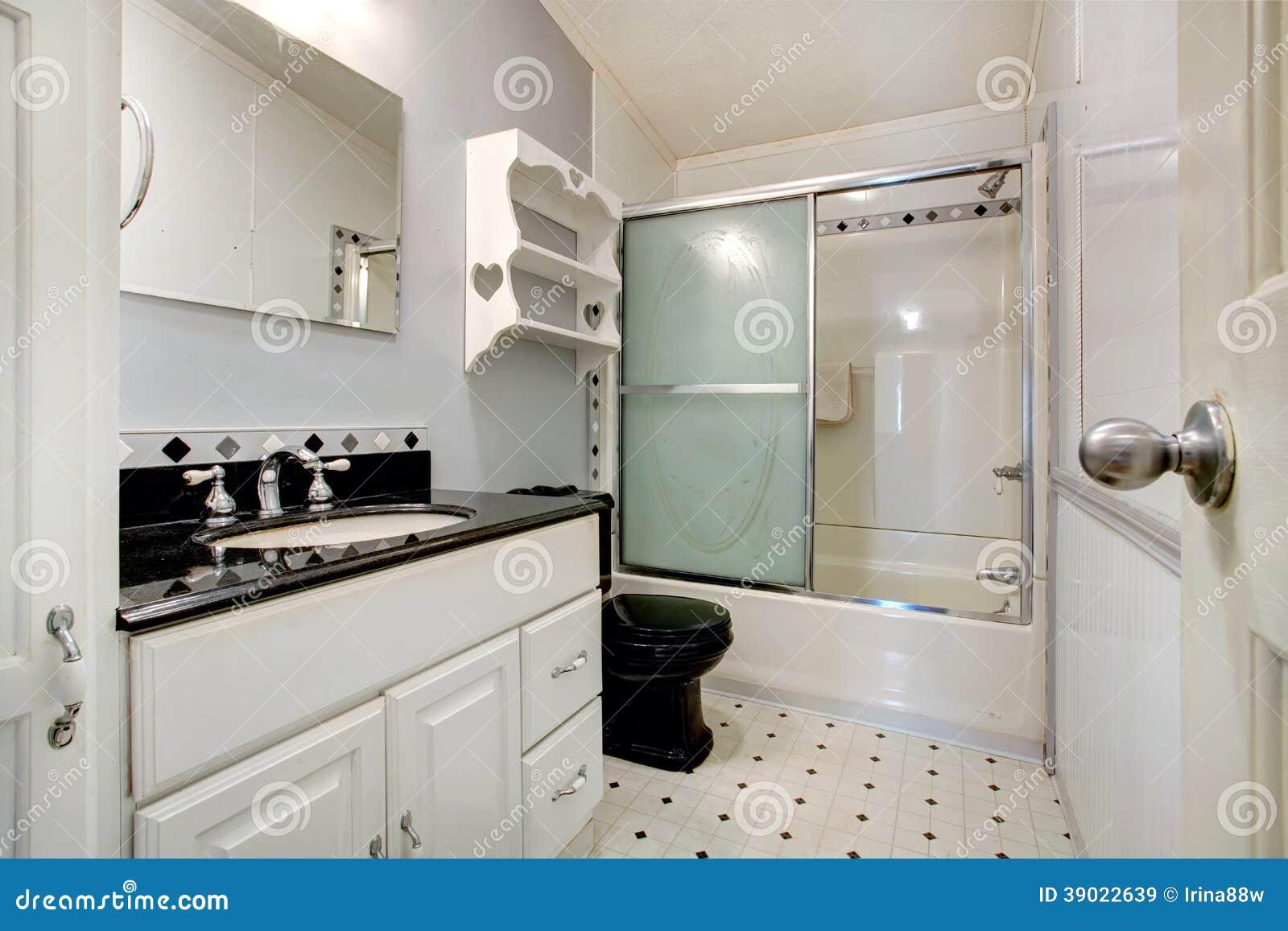 Bagno bianco e nero immagine stock immagine di disegno 39022639 - Bagno bianco e nero ...