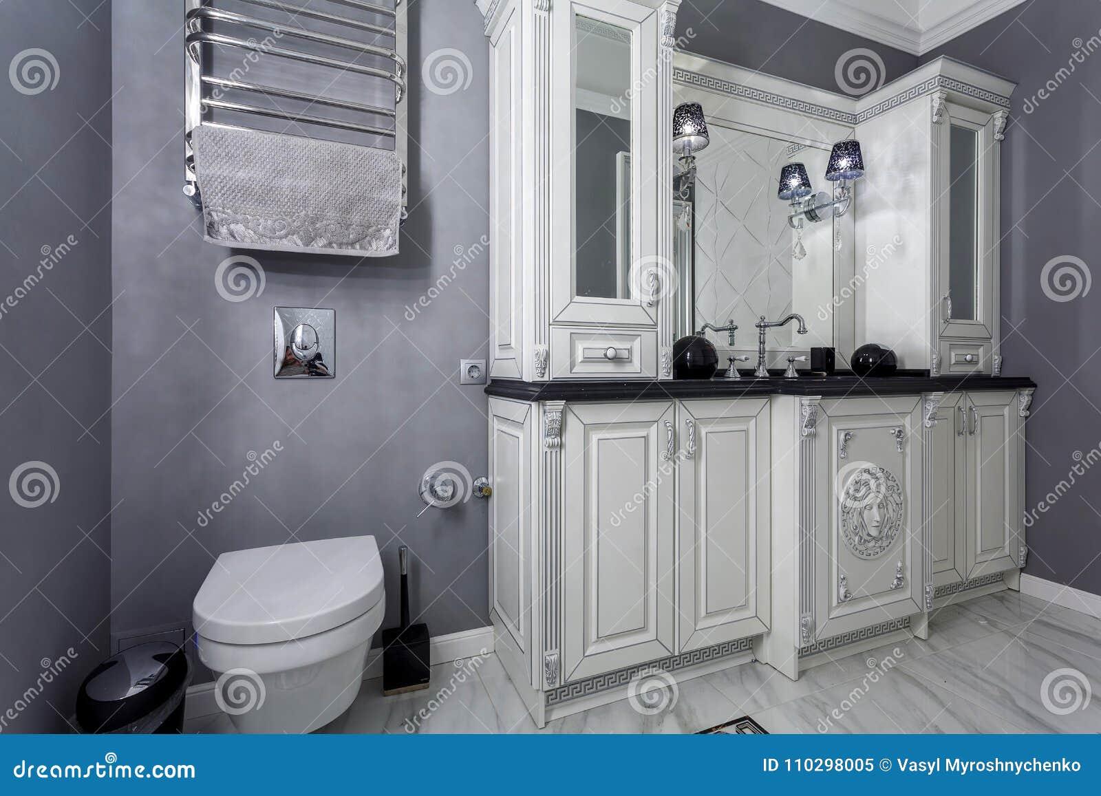 Design Bagno Classico : Bagno classico moderno contemporaneo oro imperiale rivestimento