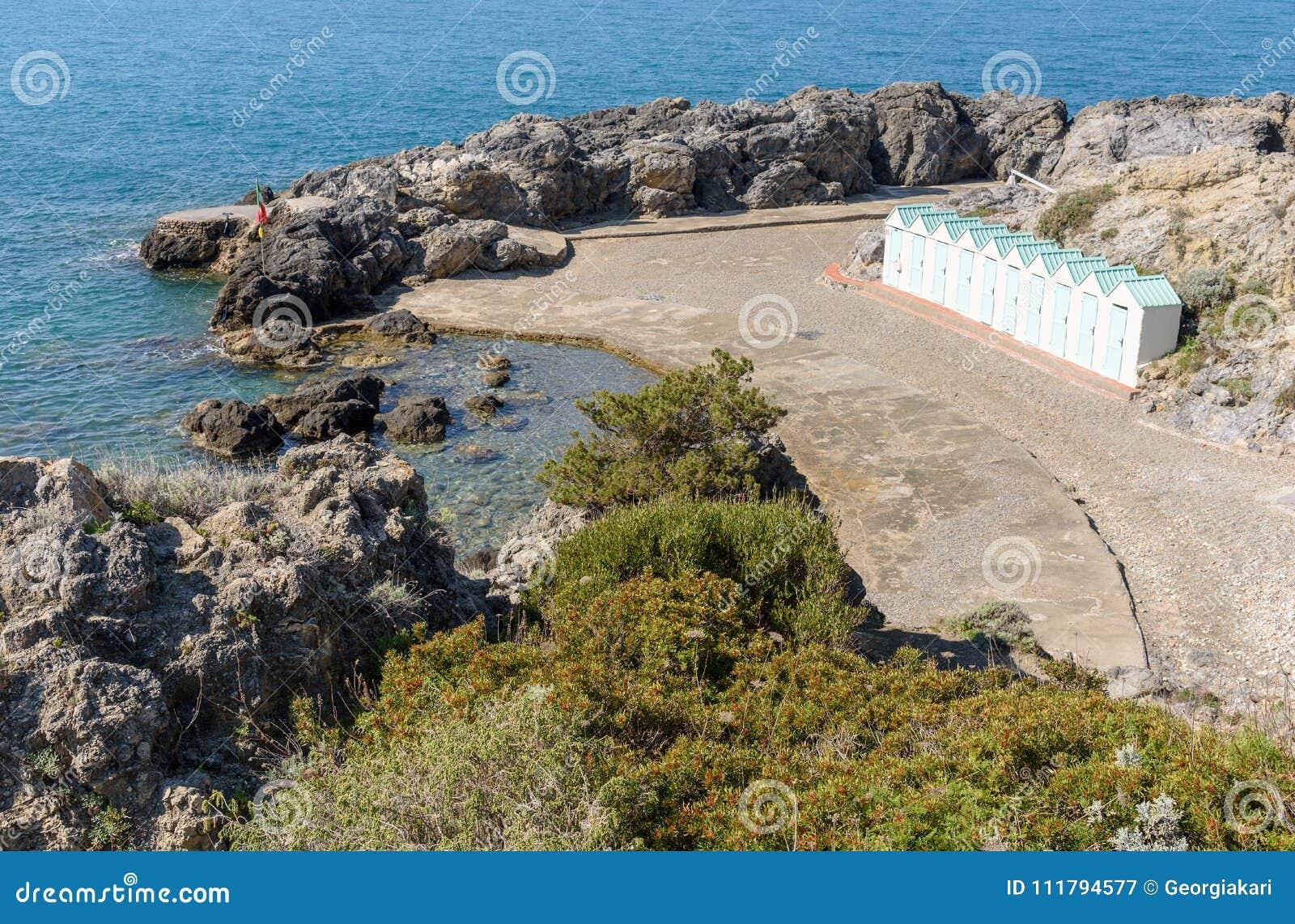 Bagno delle donne beach bei talamone toskana italien stockbild