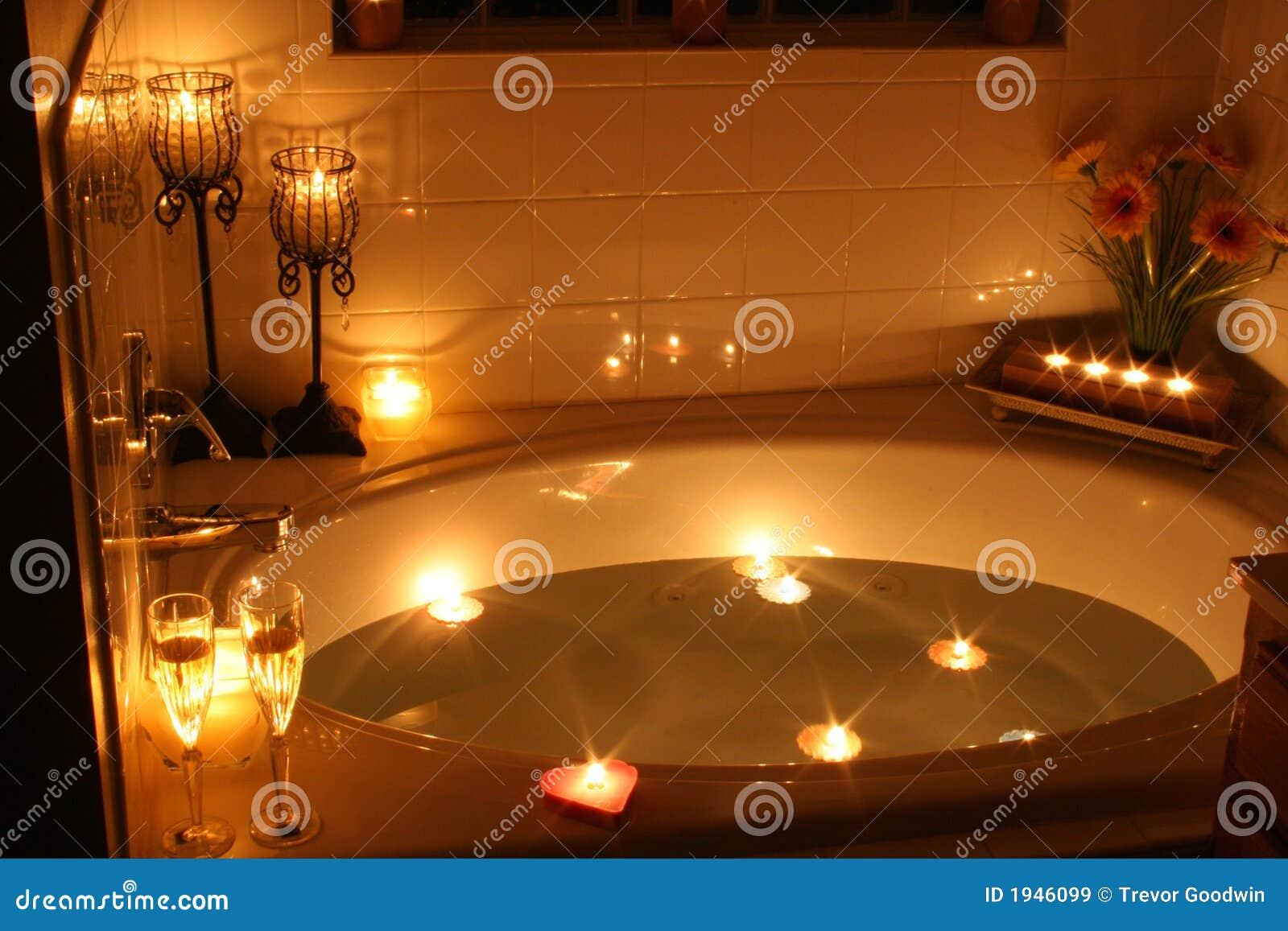 Bagno di lume di candela immagini stock libere da diritti - Candele da bagno ...