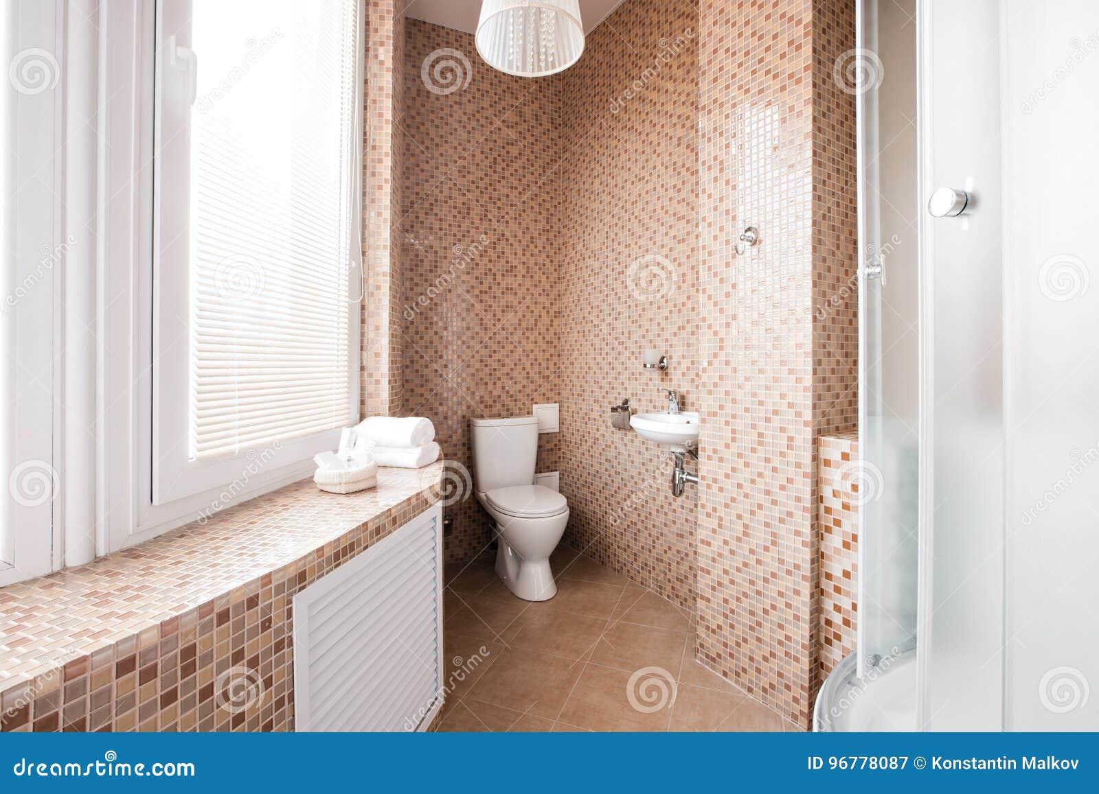 Doccia con finestra bagno quale la distribuzione migliore per